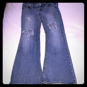Juniors American Eagle Artist/Stretch Jeans